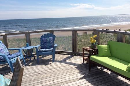 SEASPRAY OCEANFRONT Studio Apt. - House
