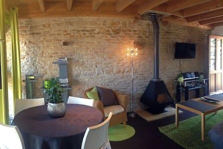 Beau Gîte 4P & piscine en Bourgogne - Champagny-sous-Uxelles