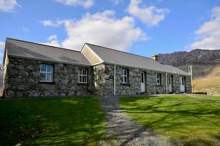 Cottage 163 -  Recess Connemara - Recess - Rumah