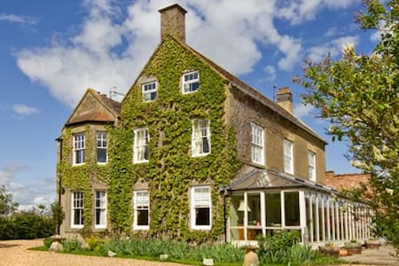 Bowers Hill Farm B&B - Bed & Breakfast