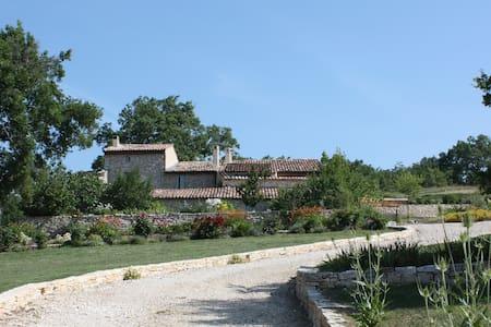 Domaine de La Lave - Marie - Vachères - Casa