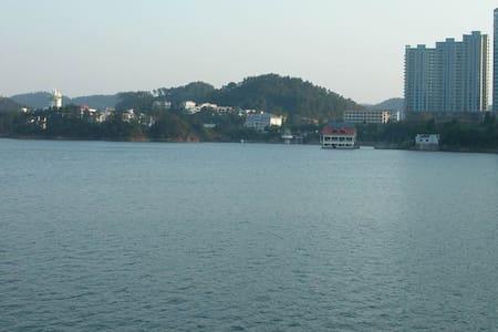 千岛龙庭50平米全湖景房可停车 - Appartamento