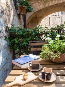 Comfy apartment in historic centre - Spello - Casa
