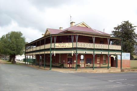 Henty Central Bed and Breakfast - Henty - Bed & Breakfast