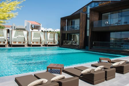 ENCOREIST HOTEL&LOUNGE
