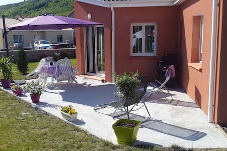 Maison neuve avec belle terrasse - Issoire - Dům