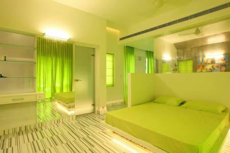 Luxury suite in green all around - Kannur