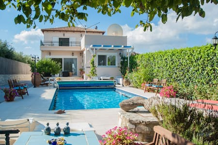 B&B in luxury Villa Theodora - Bed & Breakfast