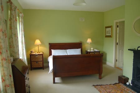 Rinneen House Moycullen Co Galway - Clifden - Bed & Breakfast