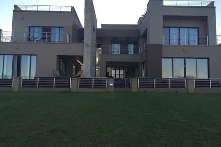 Modern Upmarket Home on Golf Estate - House