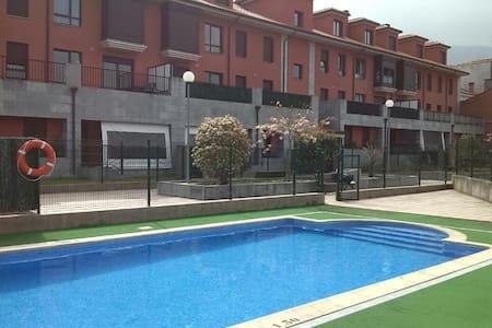 Apartamento y piscina Posada,Llanes - Posada de Llanes - Leilighet