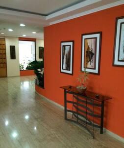 Apartamento Ejecutivo / Piscina