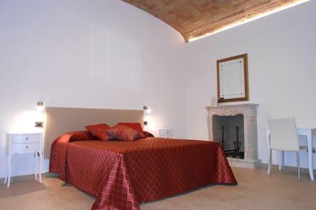 B&B Casa in Barolo #2 - Barolo - Bed & Breakfast