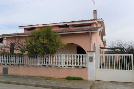 Casa Vacanze Palmas Suergiu - Haus