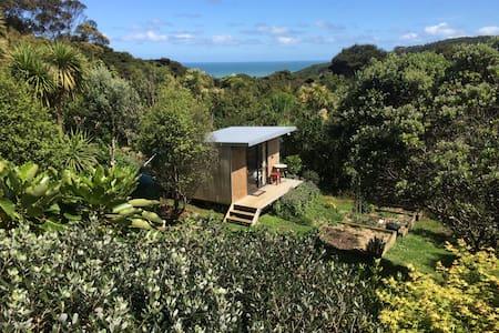 Piha Garden Cabin - Piha