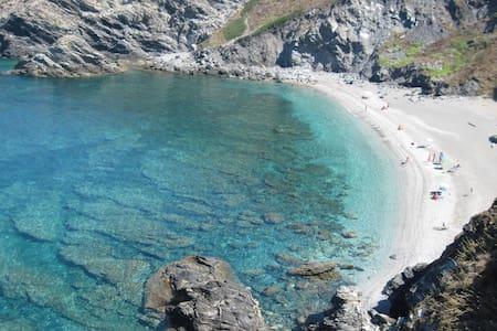 Casetta a schiera vicino al mare - Argentiera