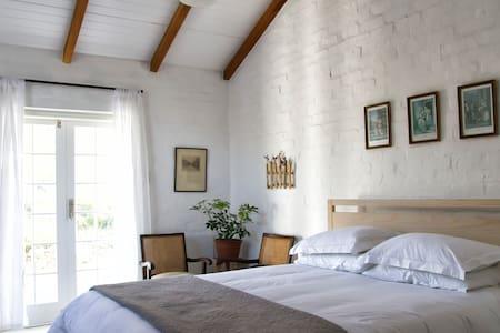 Kapokbos Room in Guesthouse - Montagu - Bed & Breakfast