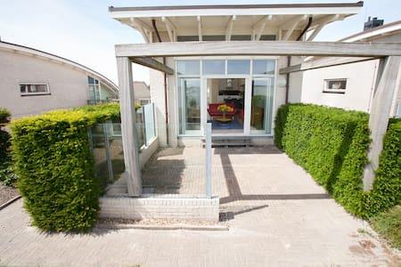 Dijkvilla met uitzicht IJsselmeer - Makkum - Dům