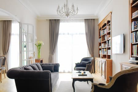 Large Cannes Apartment (4 bedroom)