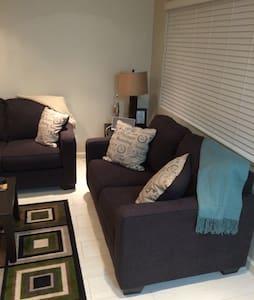 One bedroom condo - San Diego - Condominium