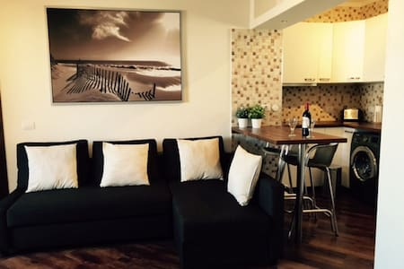 Beautifully refurbished apartment - Appartement