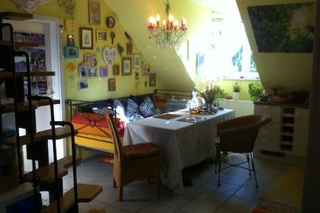 Gemütliche, stilvolle  Wohnung mit Tiefgarage - Wohnung