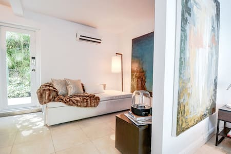 Cozy Guesthouse in Coral Gables - Корал Гейблс - Квартира