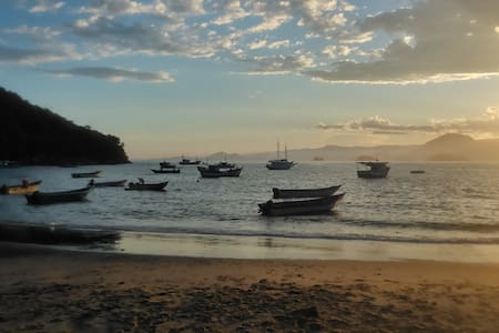 Sobradinho Picinguaba, pé na areia - Picinguaba