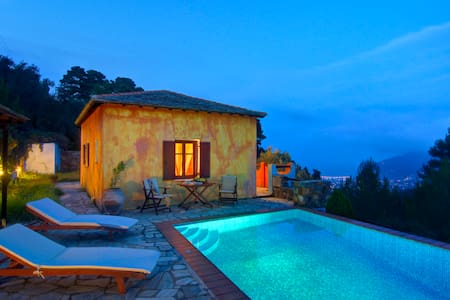 Villa Kentavros, Privacy and Stunning Views - Sporades