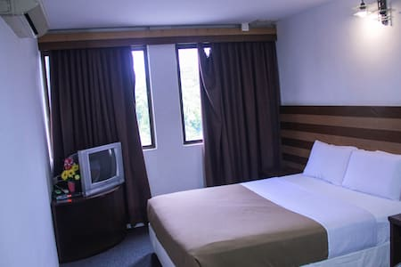 Uncle Guesthouse Deluxe Double Room - Kuala Terengganu - Hostel