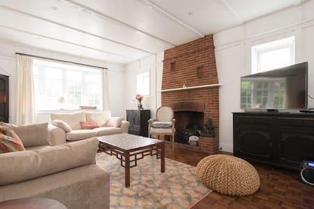5 Bedroom Period Villa, London, Great for Groups - Gran Londres - Casa