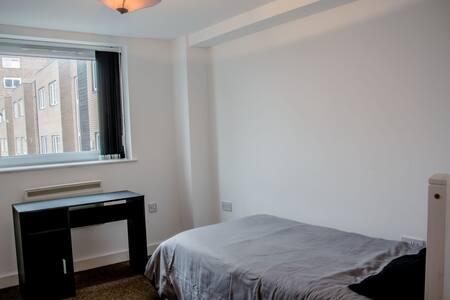 Single Bedroom in Duplex Comfy Flat - Appartement