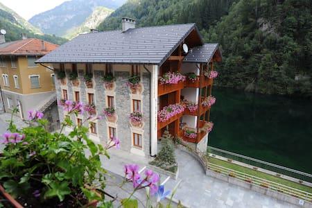 Appartamento vacanze in Valsesia - Lejlighed