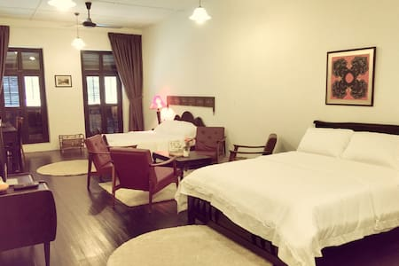 Family Suite with Bathroom - 5 mins to Jonker Walk - Melaka - Vila