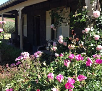 Stone heritage cottage c1865