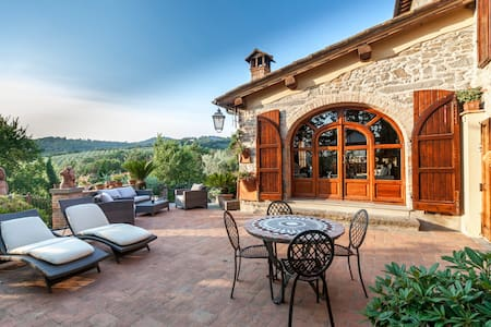 Chianti's Hill Home near Florence - Hus