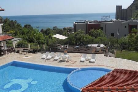 Luxury Apartment - Kavarna Paradise - Apartment
