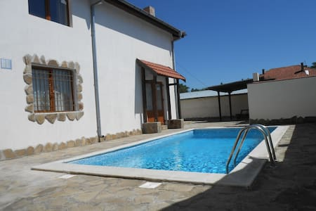 Private villa with pool Nr Nessabar/SunnyBeach - Kableshkovo - Villa