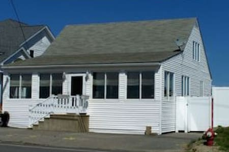 Beach House rented Weekly - Seabrook - Ev