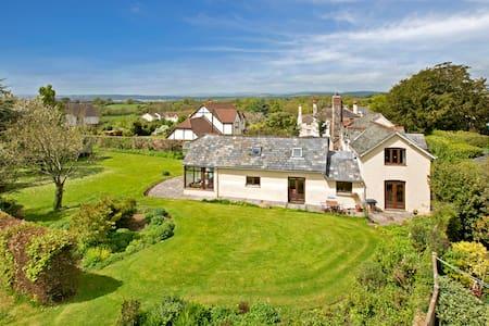 5 bed period house, large garden - Aylesbeare - Casa