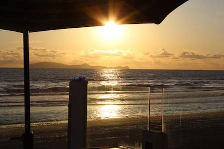 Rosarito Beach Front! On the Sand! Sleeps 25+ - Haus