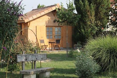 """petit chalet en bois """"la grenette"""" - Saint-Paul-lès-Romans - Bungalo"""
