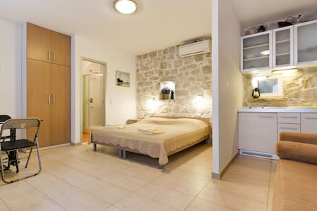 Studio apartment in center of Split - 斯普利特 - 公寓