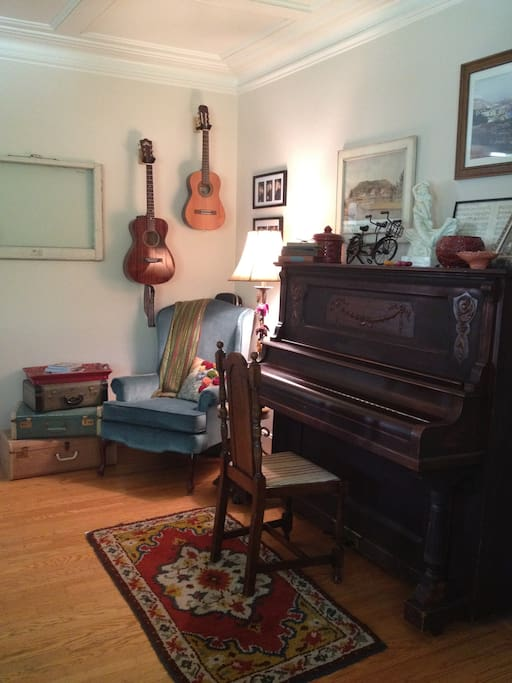 Living Room.... grab an instrument and ENJOY!