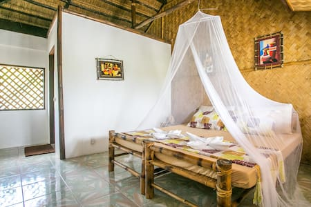 A Cozy Budget Room on a Private Tropical Island!! - Busuanga
