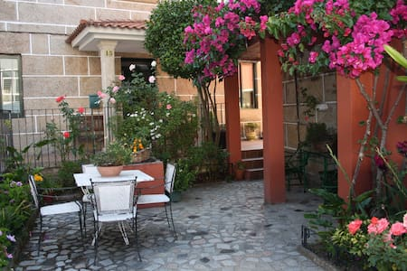 nice house with private courtyard - Redondela - Dom