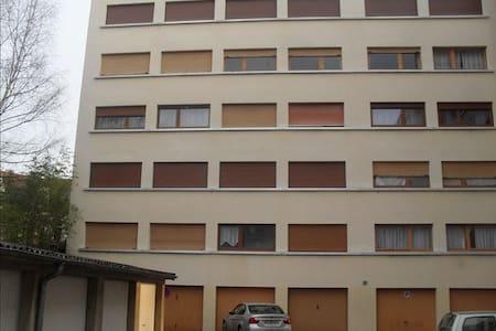 Jolie Appartement d'époque - Apartment
