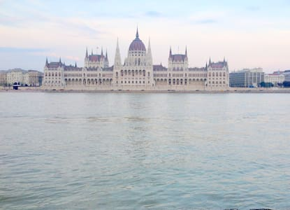 Breathtaking view to river Danube - Budapest - Appartement