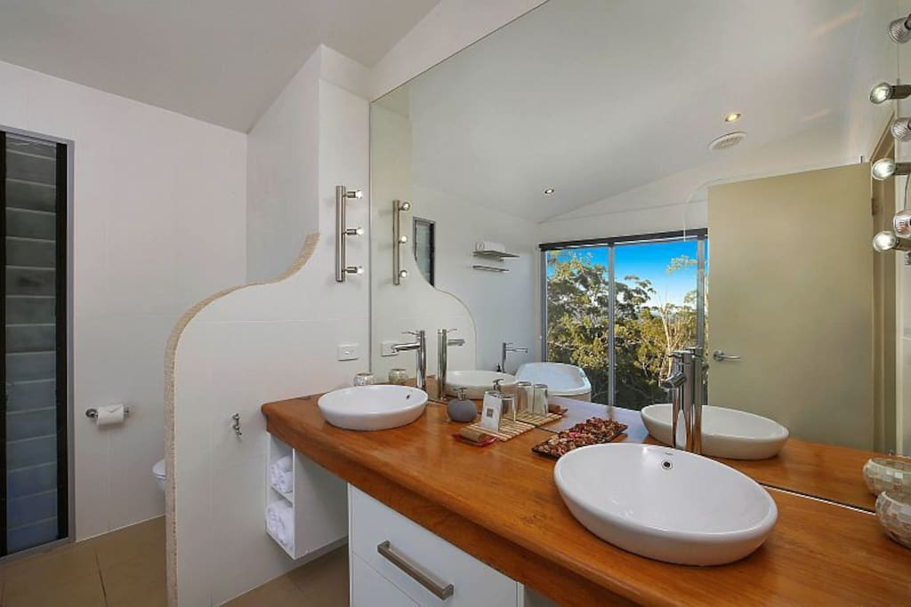 Twin basins, twin showers and ocean views