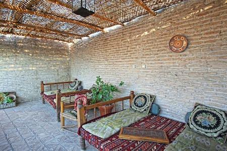Amulet Madrassah Hotel. - Бухара - Bed & Breakfast